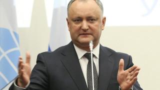 Президентът на Молдова готов първи да тества руската ваксина срещу COVID-19