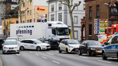 8 пострадали при предполагаема терористична атака в Германия с камион