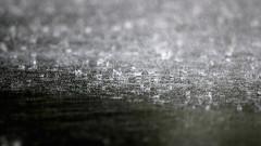 Проливен дъжд и градушка се изсипаха в Кърджали