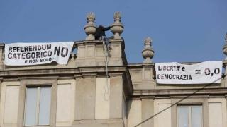Наш сънародник протестира на покрива на Миланската Ла Скала