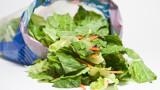 Маруля, салмонела и какви други опасности крие опаковката на зеленчука