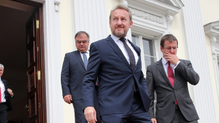 Вучич говори за мир, а в същото време се въоръжават, недоволства Изетбегович