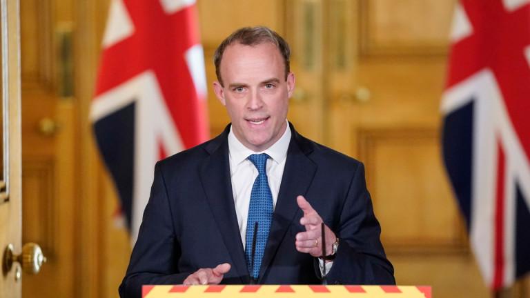 Великобритания не очаква да има ваксина срещу Covid-19 тази година