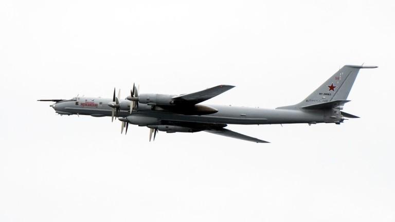 Великобритания вдигна изтребители срещу Ту-142 на Русия над Северно море