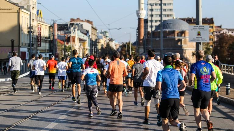 Лиляна Георгиева и северномакедонец бяха най-бързи в бягането на 10 километра в София