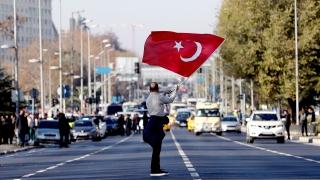 Известен медиен бос оставен в ареста в Турция