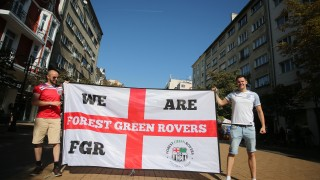 Английските фенове спорили за клубен футбол, а не се интересували от мача с България