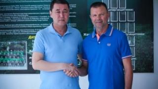 Официално от Кайсар: Стойчо Младенов все още е наш треньор