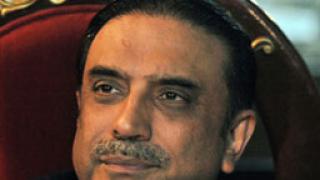 Пакистанският президент се завърна от лечение в ОАЕ
