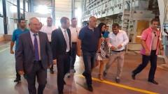 Борисов е доволен, че заводи заместват полета и магарета в Търговище