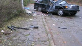 Верижна катастрофа уби двама в Хасковско