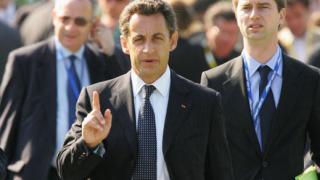 Разследват Саркози за купен евтино луксозен апартамент