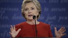 Клинтън запазва 6% преднина пред Тръмп, въпреки новото разследване на ФБР