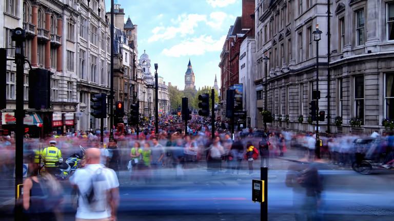 6 милиардера във Великобритания притежават колкото 13,2 милиона британци