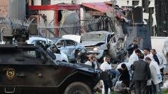 Полицаи загинаха при нападение с кола бомба в Турция
