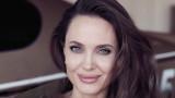 Урокът, който Анджелина Джоли научи от майка си
