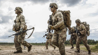 САЩ вече харчи три пъти повече за отбрана от Китай, но отново увеличава бюджета