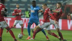 Стоянович иска да има яснота за Робърта до седмица