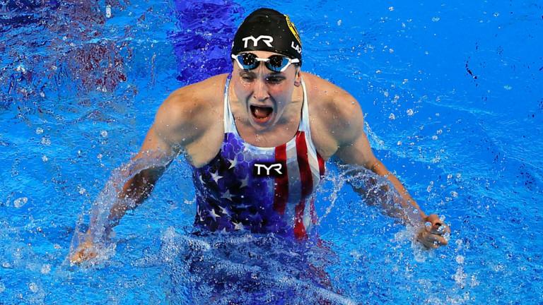 Какво не им е наред на банските на американските плувкини
