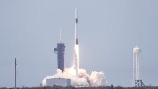 Тримата българи, работили за историческата мисия на SpaceX