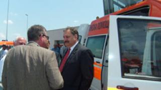 Желев връчи ключовете на още 70 нови линейки