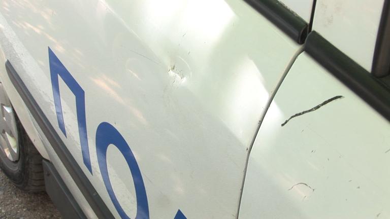 Джип удари патрулка пред полицията във Велико Търново