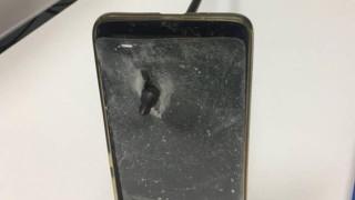 Смартфон спаси австралиец от стрела