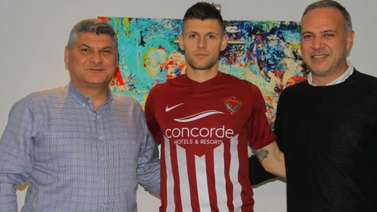 Десният бек на българския национален отбор по футбол Страхил Попов