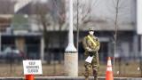 Затворите в САЩ освобождават затворници за ограничаване на коронавируса