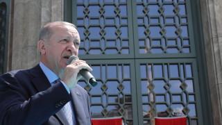 """Ердоган откри джамия на площад """"Таксим"""""""