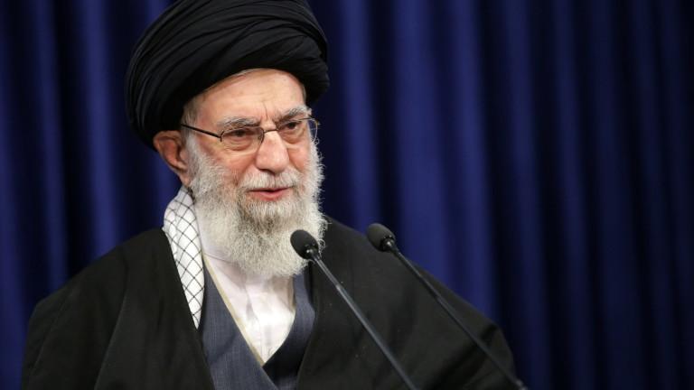 Аятолахът на Иран забрани COVID ваксините от САЩ и Великобритания
