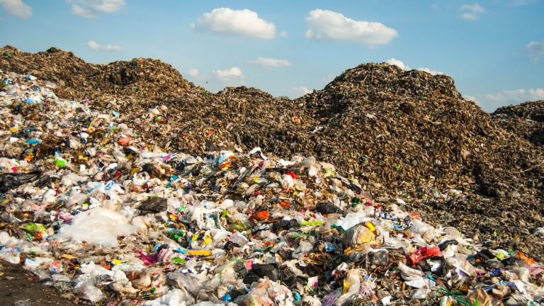 Фирмата, депонирала италиански боклук в Батак, спира дейността си в града