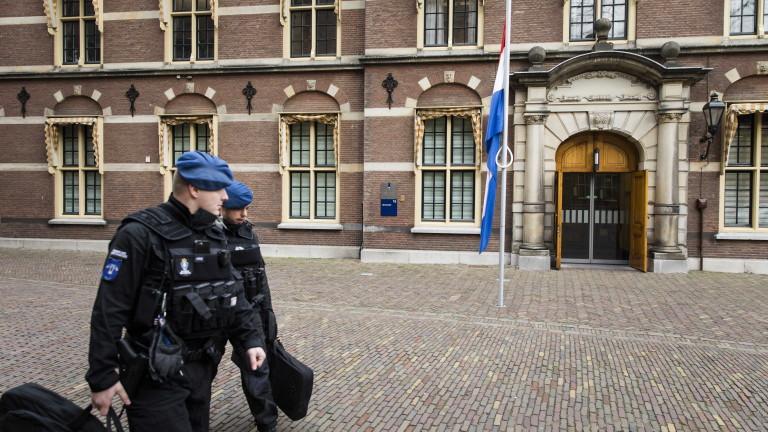 Прокуратурата на Холандия съобщи, че няма индикации към момента заподозряниятза