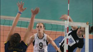 Славия е първият полуфиналист при жените в НВЛ