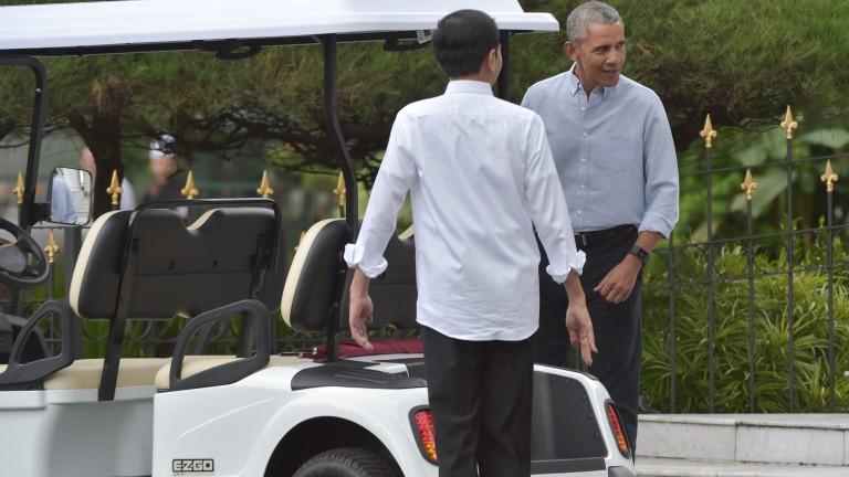 """Обама започна да печели пари от доходоносни речи на """"Уолстрийт"""""""