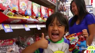 8-годишното момче, което спечели $22 милиона от YouTube през 2018-а (ВИДЕО)