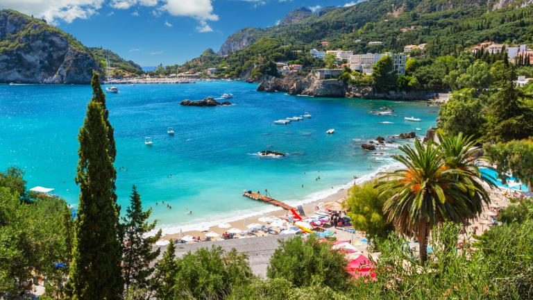 Над 300 хотела в Гърция са обявени за продан – туризмът е пред катастрофа