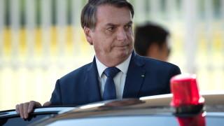 Повечето бразилци против Болсонару да подава оставка заради коронавируса