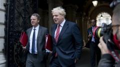 Джонсън: Обединеното кралство се изправя на крака