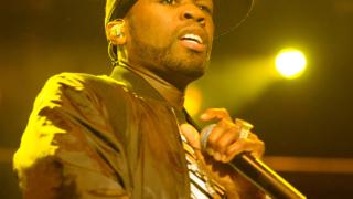 50 Cent спи с дебелани