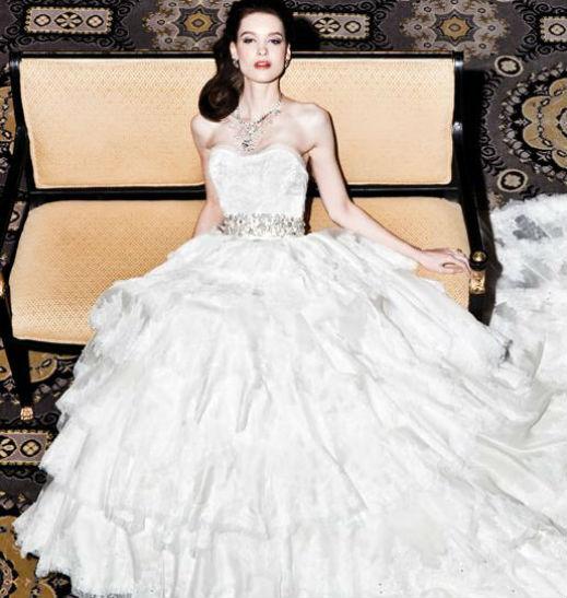 Топ 10 на най-скъпите булчински рокли
