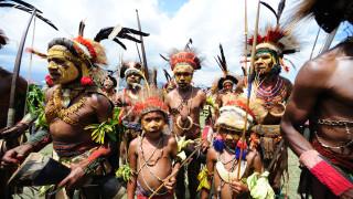 В Папуа Нова Гвинея нападат 6-годишно момиче с нагорещени ножове, била вещица