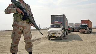 22 000 бягат от граничен пакистански район