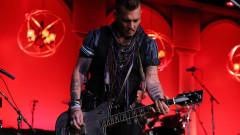 Джони Деп може би пак ще бъде секси китарист