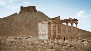 """Сирийската армия прогони """"Ислямска държава"""" от защитната крепост на Палмира"""