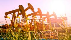 Експерт: Петролът лесно може да поскъпне до $75 при споразумение между САЩ и Китай