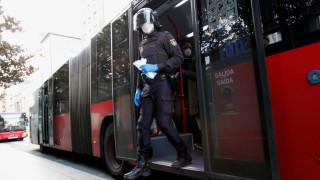 Испания раздава 10 млн. маски на връщащите се на работа