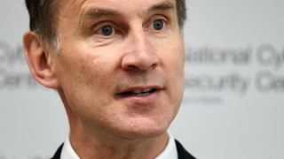 Хънт вече изпреварва Джонсън за лидерския пост на консерваторите
