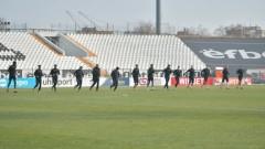 Посинкович и Ожболт аут от групата на Локо (Пд) за мача с Левски