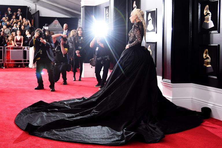 Лейди Гага показа впечатляващ тоалет